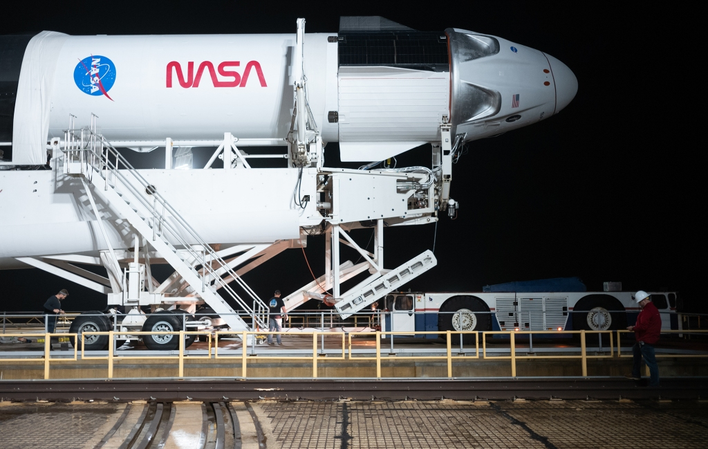 WEATHER DELAY MOVES SPACEX-NASA ASTRONAUT LAUNCH TO SUNDAY