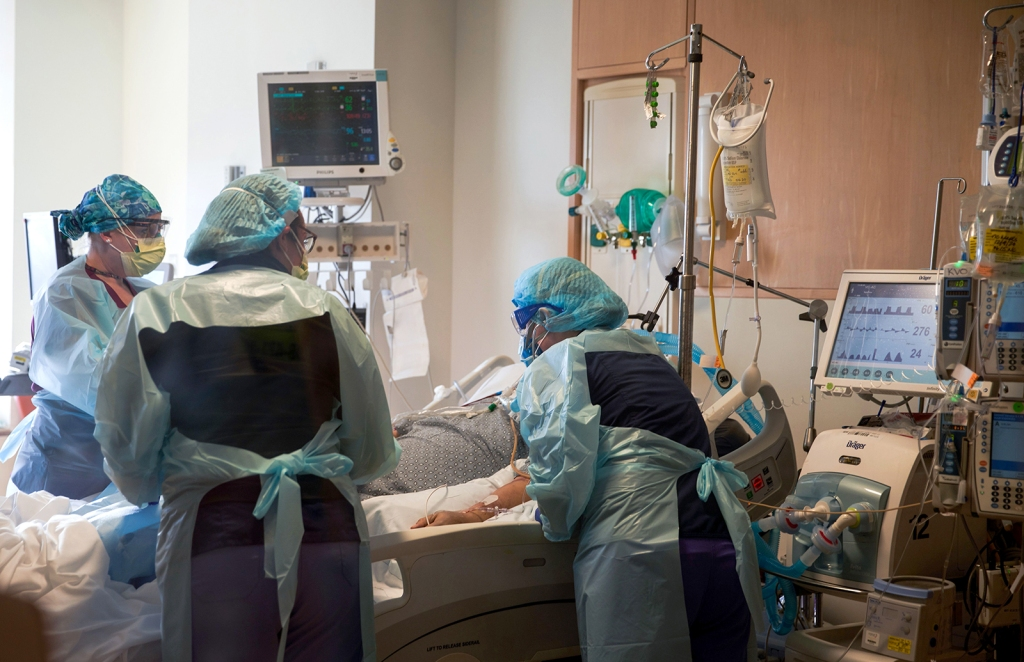 200 Hospitals Have Been at Full Capacity, And 1/3 of All US Hospitals Are Almost Out of ICU Space