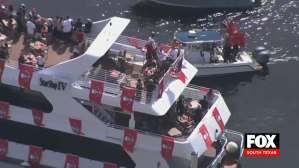Tampa Bay Bucs Celebrate Sunday's Win With Boat Parade